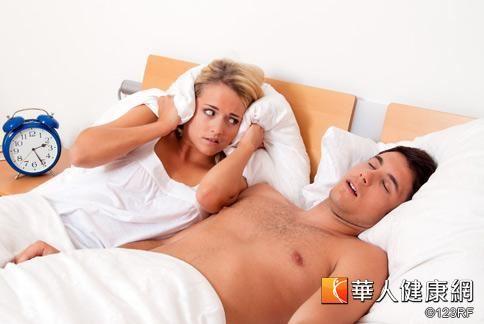 打鼾不僅嚴重影響睡眠品質,更常讓枕邊人「鼾」到發狂。