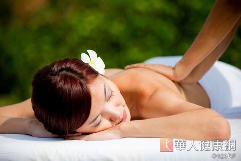 佛手柑又稱為香檸檬,其特殊的香氣成份可以讓人精神放鬆、甚至緩解腸躁症問題。