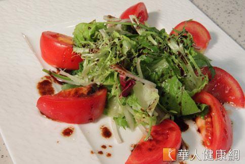 蔬果的攝取是維持健康的重要飲食原則。