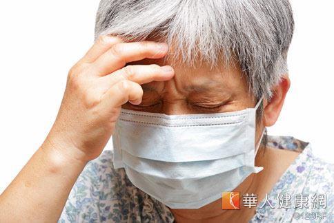 老年性糖尿病低血糖患者,若出現冒冷汗頭痛等症狀,千萬不可輕忽。