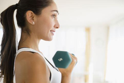 有氧運動與重訓搭配進行,幫助身體燃脂、增肌,更能促進新陳代謝力。(圖片/取材自美國《時代》網站)