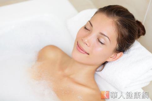 要改善失眠、睡眠品質不佳的問題,不妨可以嘗試中醫藥浴的方式來改善。
