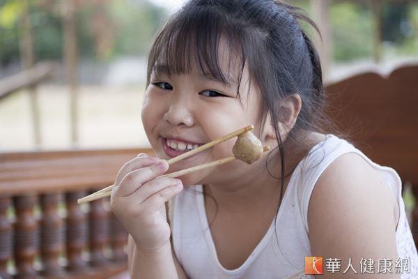 大小朋友都愛吃的貢丸,1顆熱量約47大卡。