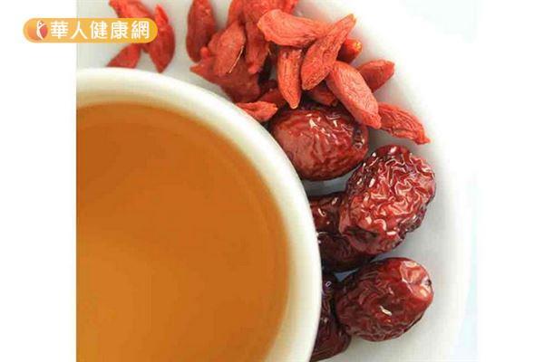 紅棗枸杞茶。