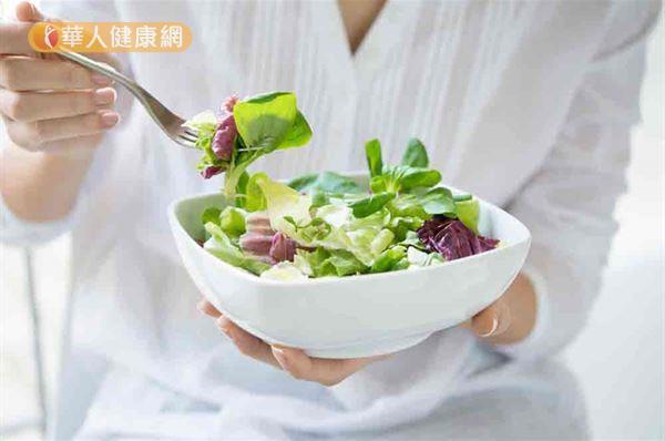 春季養生以溫補陽氣和疏通肝氣為主,首重多吃綠色及溫陽食物。