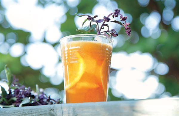 柑橘蘋果汁(圖片提供/出色文化)