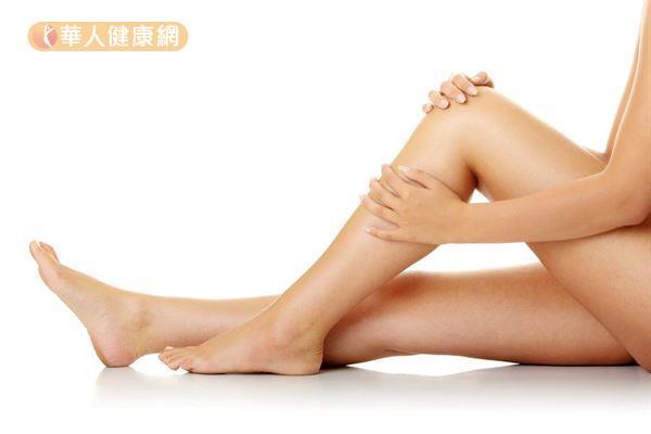 刮痧減肥則是透過刺激穴位,並加快皮下組織運行,減去體內多餘的脂肪。