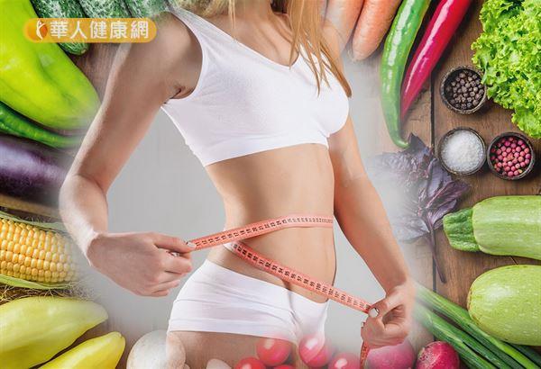 每天減少攝食300~500大卡熱量,且增加體能活動多消耗200大卡,就可以每週減重約0.5公斤。