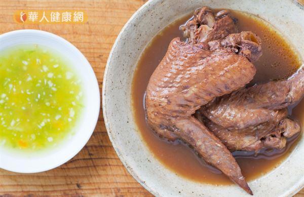 視春夏秋冬的節氣不同,調整雞湯使用的食材和中藥材,更能提升身心調養的效果。