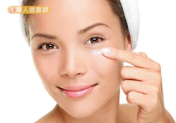 黑眼圈不是病,但困擾許多人,可用中醫藥膳緩解。
