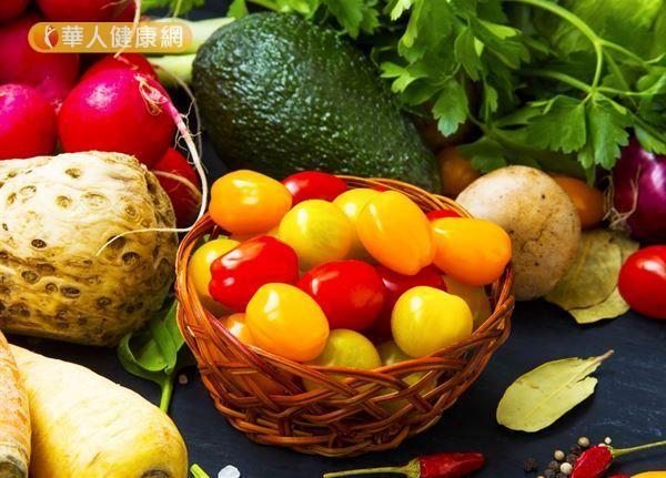 一天膳食纖維量25至35克剛剛好,過量攝取恐促使腸道過度蠕動、影響礦物質吸收。