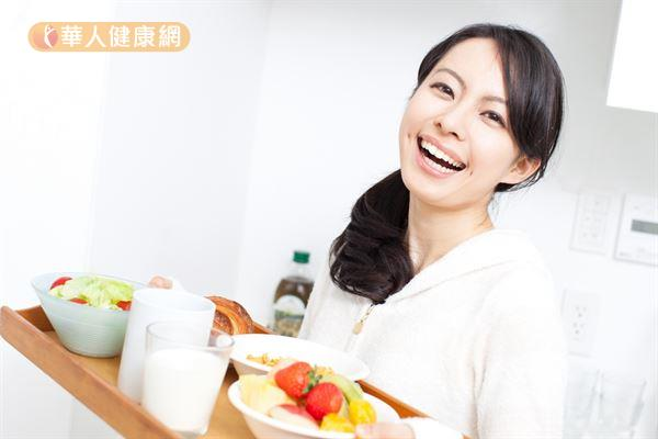 一旦不吃早餐,人體大腦控制食慾的下視丘便會發出訊號,要人體囤積能量,使民眾在不自覺中於下一餐吃更多!