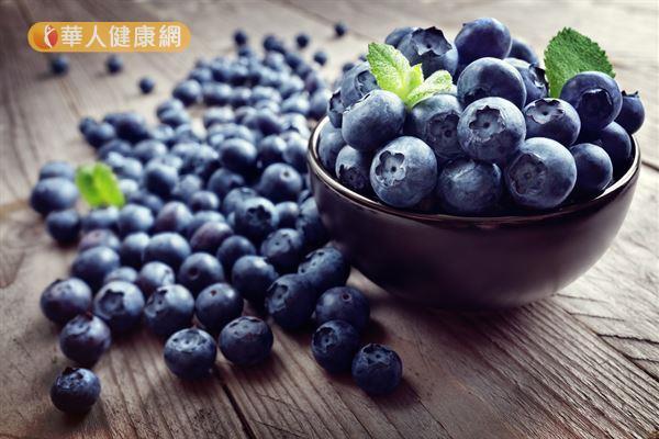 藍莓是富含花青素非常具有代表性的食物,對於促進眼部健康有一定的幫助。