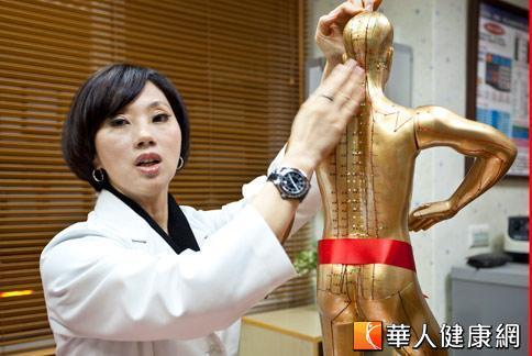 吳明珠中醫師解釋,陽氣虛的人比較容易過敏過。(攝影/黃志文)