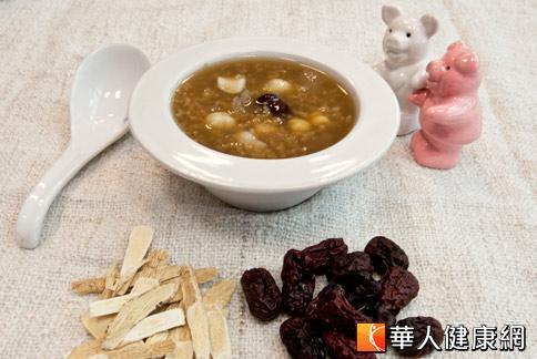 八寶粥健脾益腎,一般體質的人都可以吃。(攝影/黃志文)