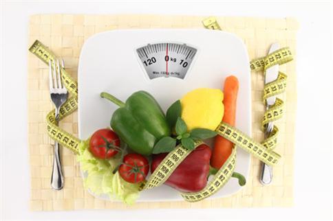 家有胖小子要減重,規範少吃、少喝,不如天天吃早餐、五蔬果更具成效。